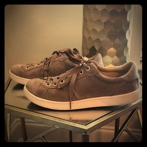 Ugg Milo Sneakers - Size 9 - Brown